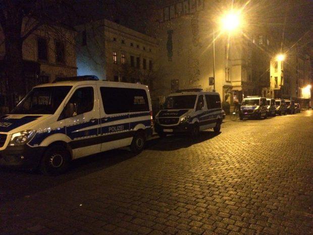 Ein Polizeiparkplatz im Leipziger Süden am Kreuz. Foto: L-IZ.de