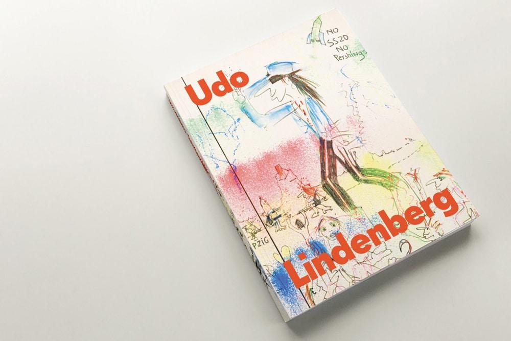 """Katalog zur Ausstellung """"Udo Lindenberg. Zwischentöne"""". Foto: MdbK"""