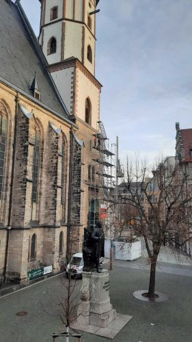 Der Rückbau des Gerüsts am Turm der Thomaskirche. Foto: Helke Rubitzsch, Thomaskirche - Bach e.V.