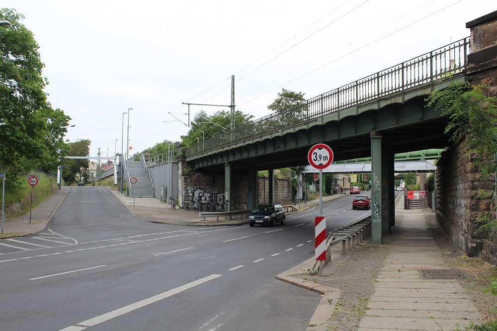 Die Brücke über die Zweinaundorfer Straße. Foto: DB Netz AG