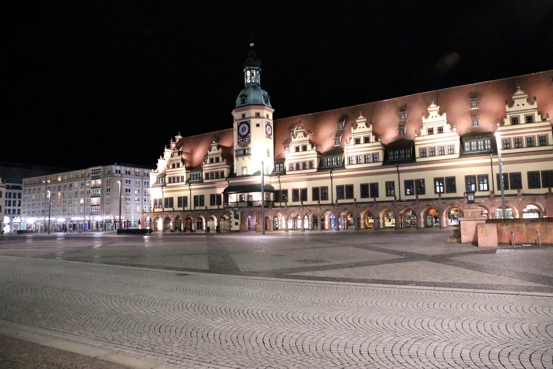 Der Leipziger Marktplatz und das Alte Rathaus. Foto: LZ