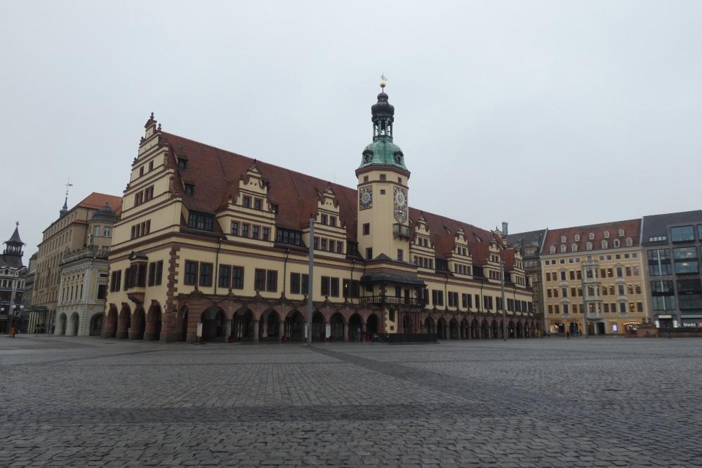 Leipzig bleibt weiterhin im Lockdown. Hier der leere Markt am Alten Rathaus. Foto: Lucas Böhme