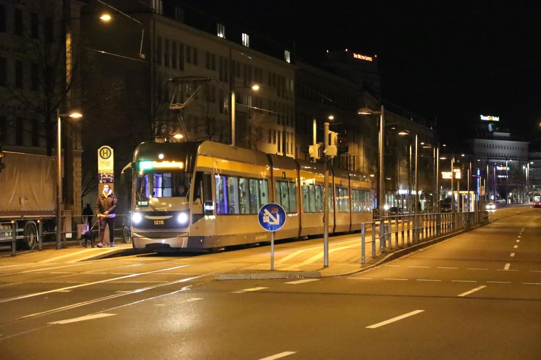 ÖPNV in Leipzig. Die LVB an der Haltestelle Leibnizstraße. Foto: LZ