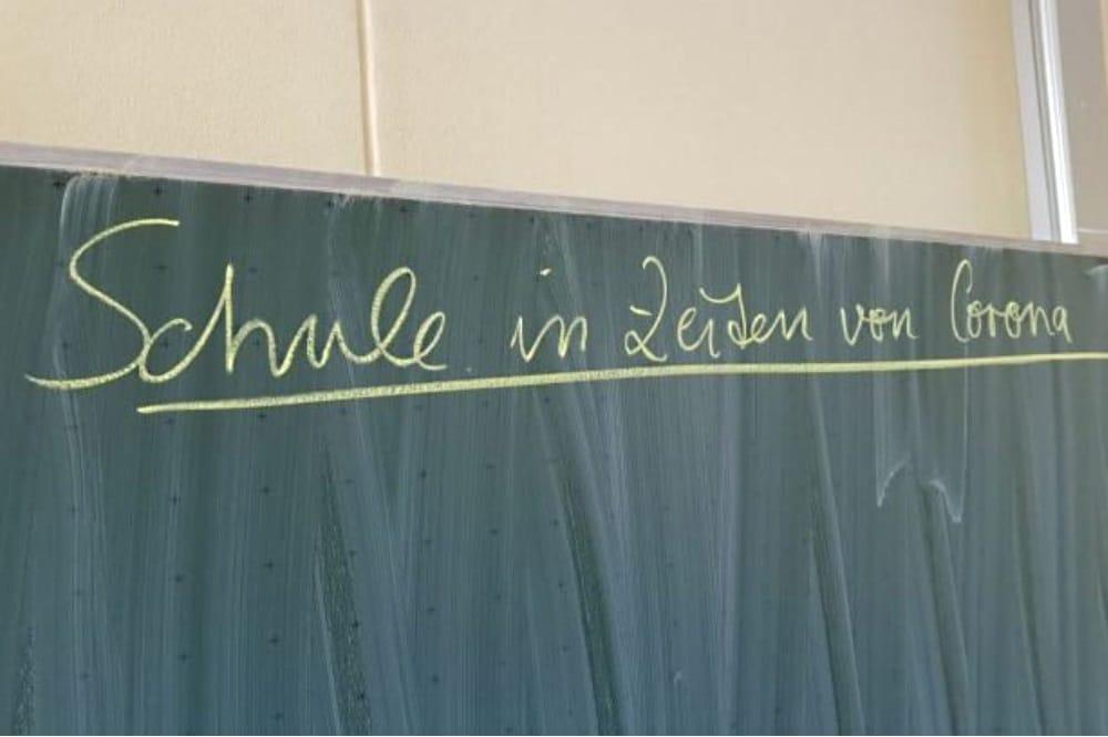 In Sachsen haben die Schulen ab dem heutigen Montag für Schüler/-innen der Abschlussklassen wieder geöffnet. Quelle: Marko Hofmann