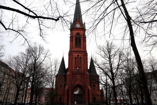 Die Lukaskirche: Lediglich nur das erste Ziel einer Farb- und Steinattacke? Foto: L-IZ.de