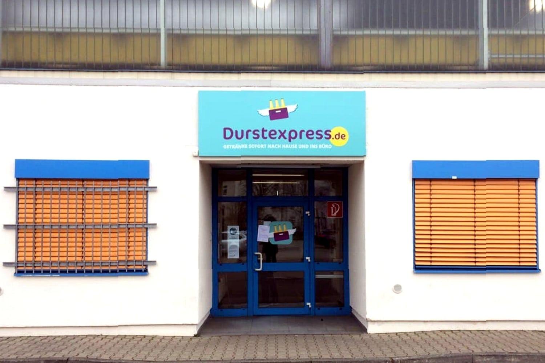 """Andere Firmen übernehmen und Angestellte kündigen. Der """"Durstexpress"""" in Leipzig an der Zschortauer Str. 105. Foto: LZ"""