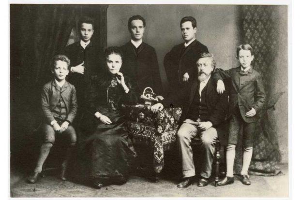Held oder Hassfigur: Gruppenbild der Familie Liebknecht. Foto: Stadtgeschichtliches Museum Leipzig