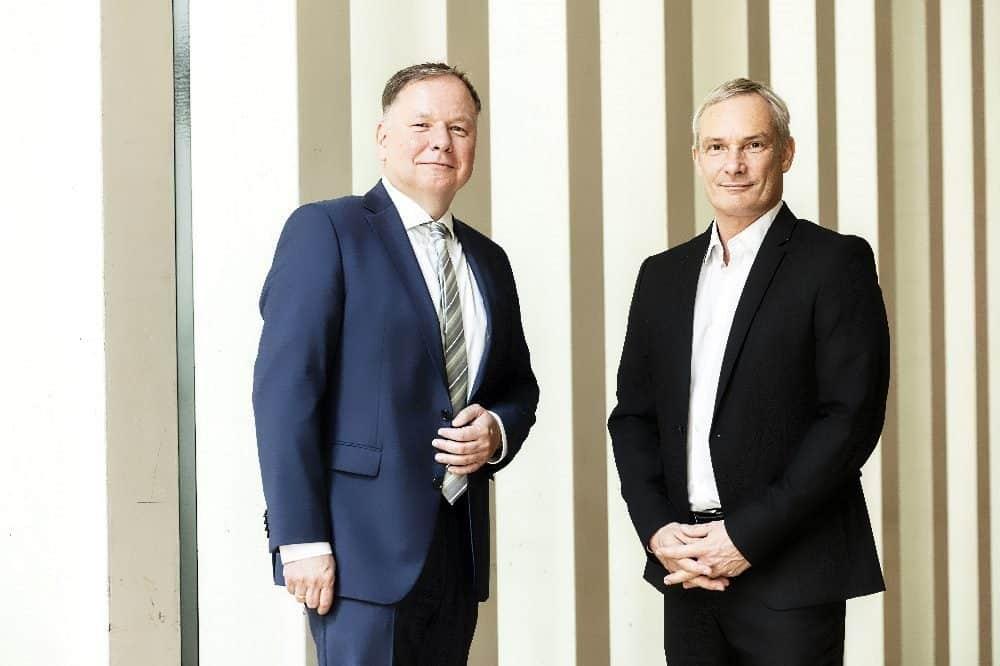 Die Vorständer der Konsum Leipzig eG Dirk Thärichen (li.) und Michael Faupel blicken auf ein erfolgreiches Jahr zurück. © Bertram Bölkow / Konsum Leipzig