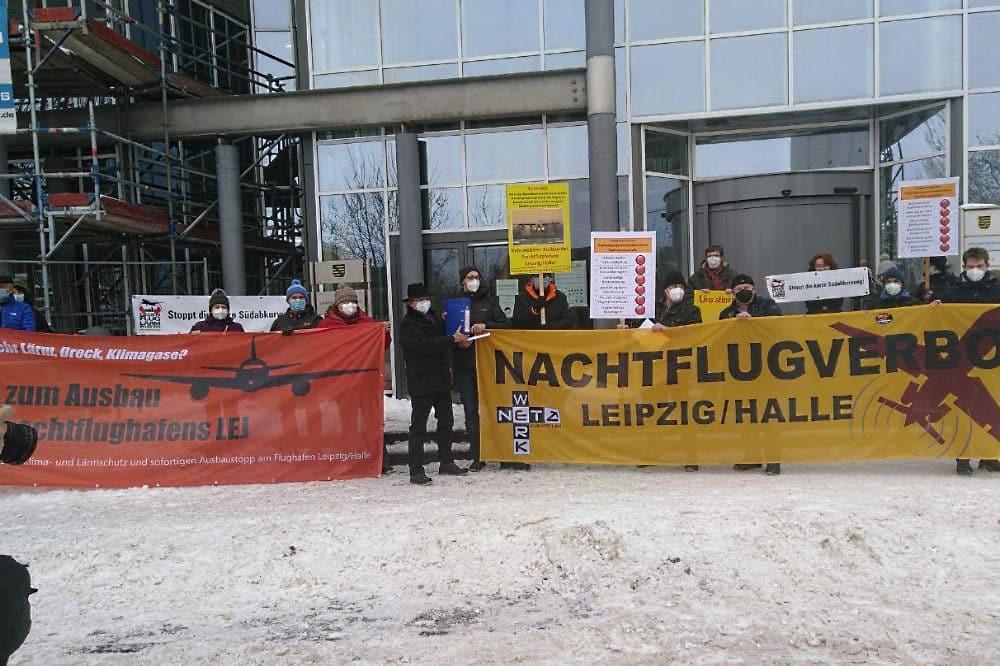 Protest gegen den Flughafenausbau. Quelle: Aktionsbündnis für Klima- und Lärmschutz und sofortigen Ausbaustopp am Flughafen Leipzig/Halle