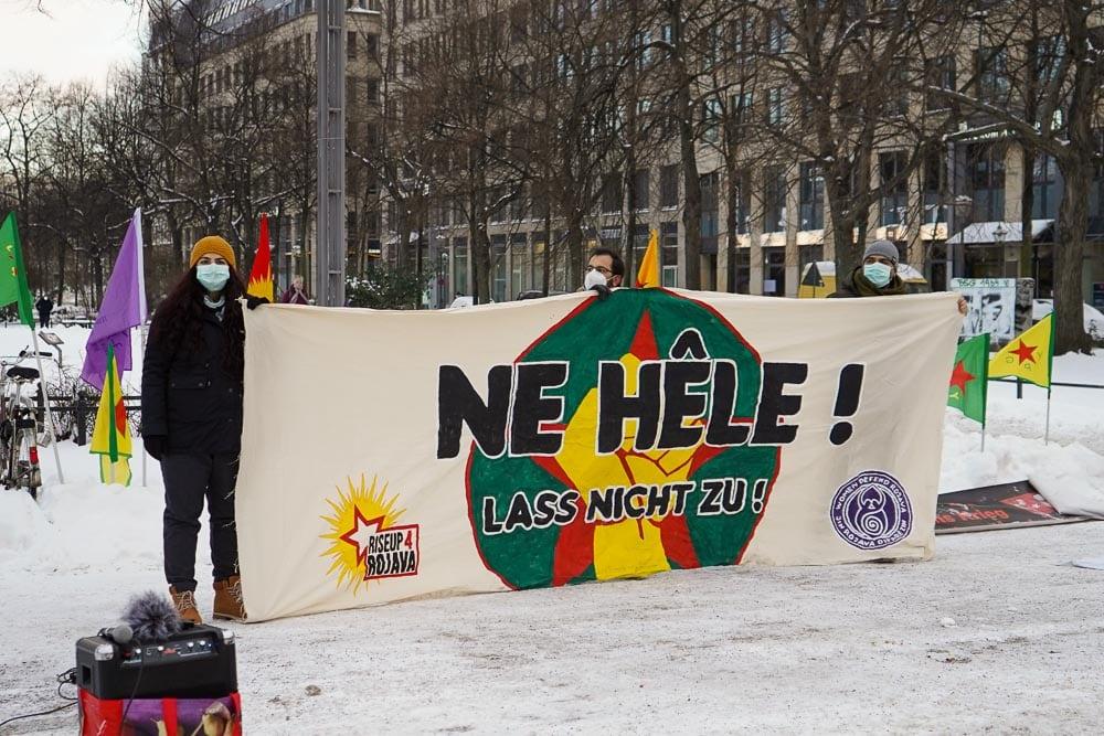 Pro-kurdische Kundgebung auf dem Willy-Brandt-Platz. Foto: Martin Schöler