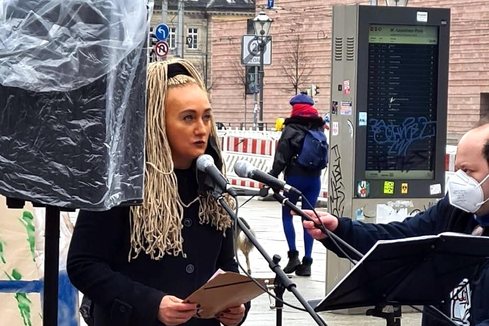 Irena Rudolph-Kokot bei ihrem Redebeitrag am 27. Februar 2021. Foto: Privat