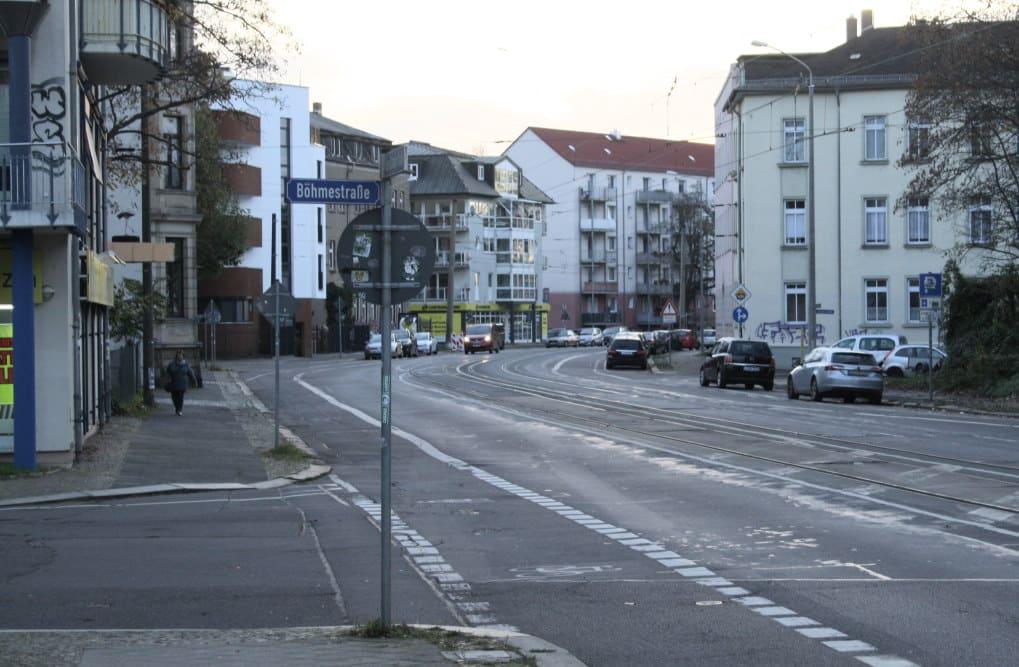 Dieser Abschnitt der Georg-Schumann-Straße soll ab 2024 umgebaut werden. Foto: Ralf Julke