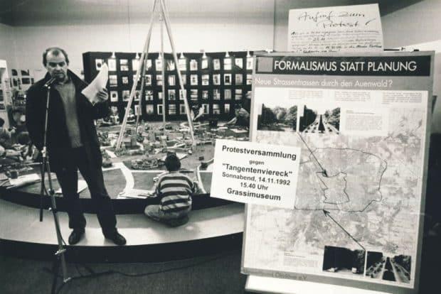 Protest 1992 gegen Tangentenviereck und Mittleren Ring mit Bernd Sikora. Foto: Pro Leipzig