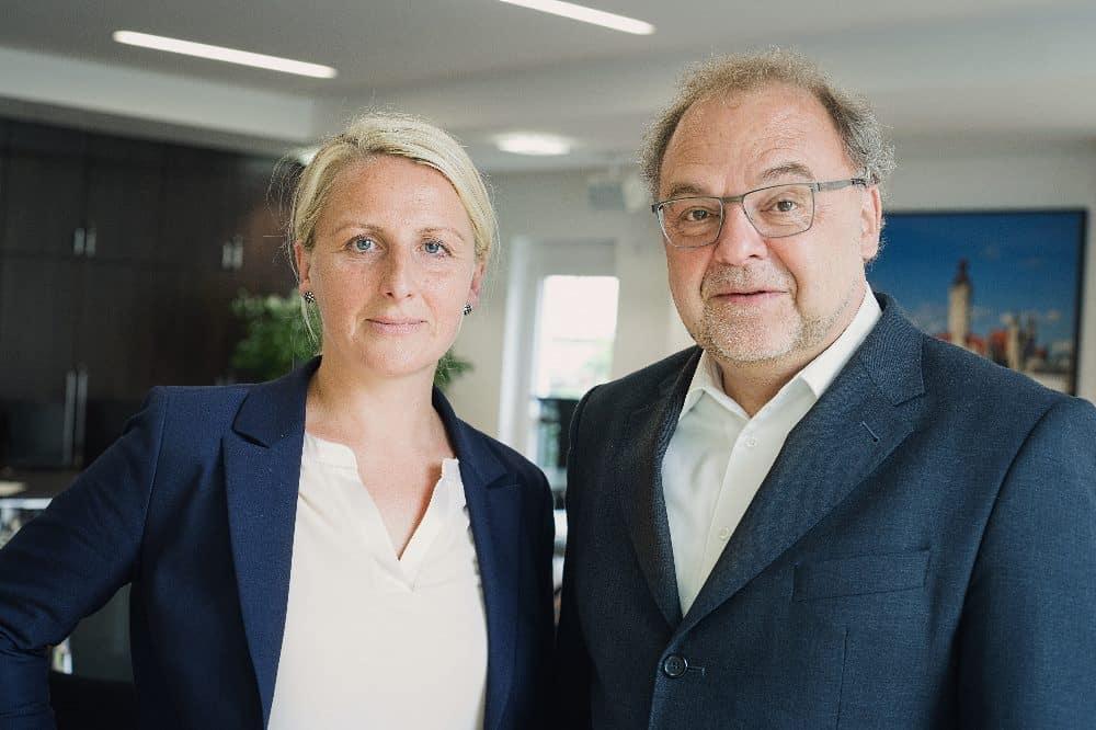 Der Lipsia-Vorstand: Nelly Keding, Vorstandsvorsitzende und Vorstand Wohnungswirtschaft, und Rolf Pflüger, Vorstand Finanzwirtschaft. © Lipsia