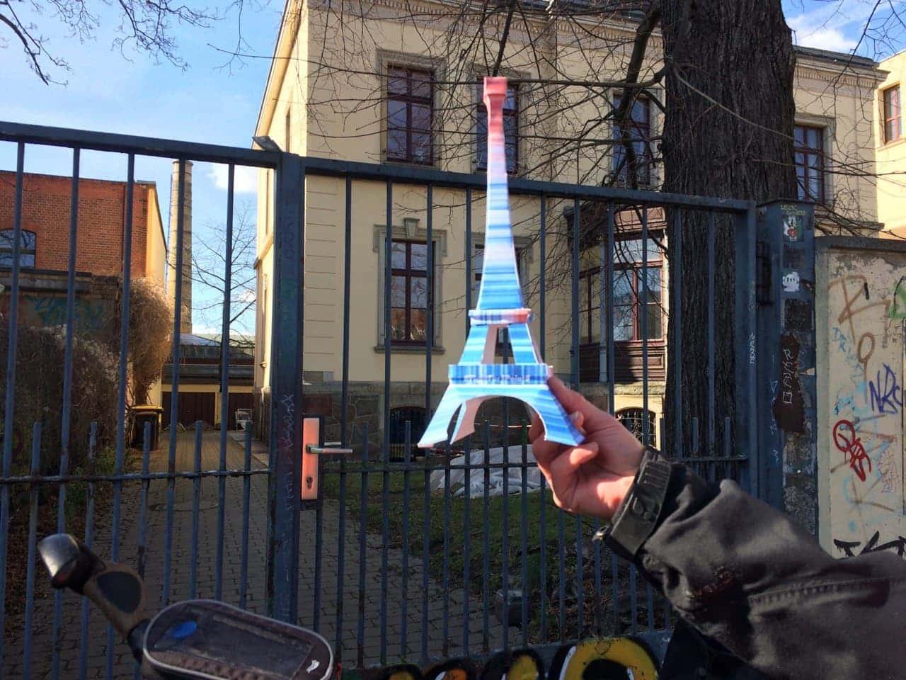 Auch der Eiffelturm fährt wieder mit. Foto: Sabine Eicker