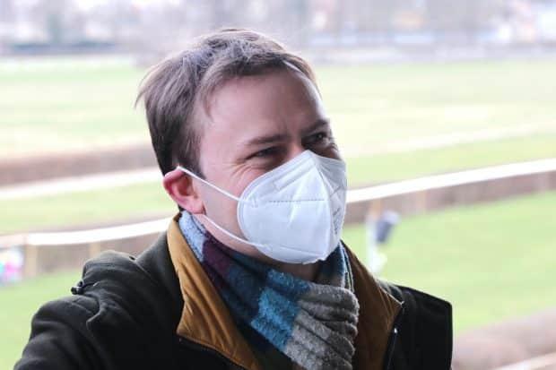 Politikerinnen, die in Pandemiezeiten mit den Augen strahlen müssen. Holger Mann. Foto: LZ