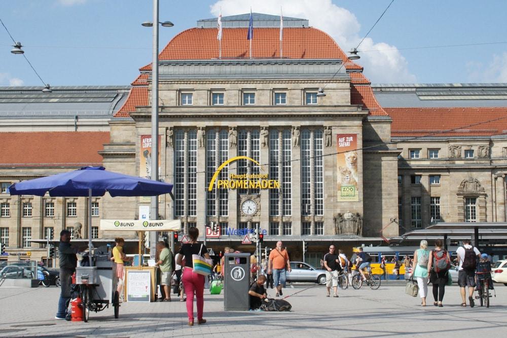 Der Kleine Willy-Brandt-Platz am Hauptbahnhof: gefährlich. Foto: Ralf Julke