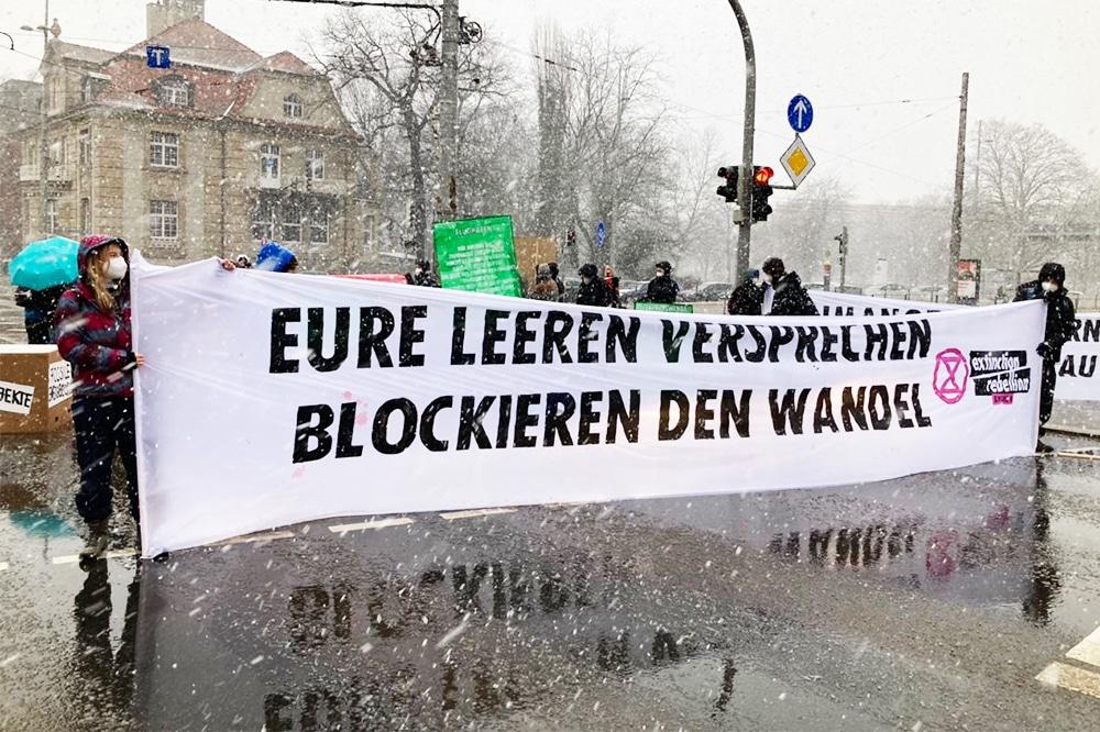 Klimaprotest vorm Neuen Rathaus am 19. März. Foto: LZ