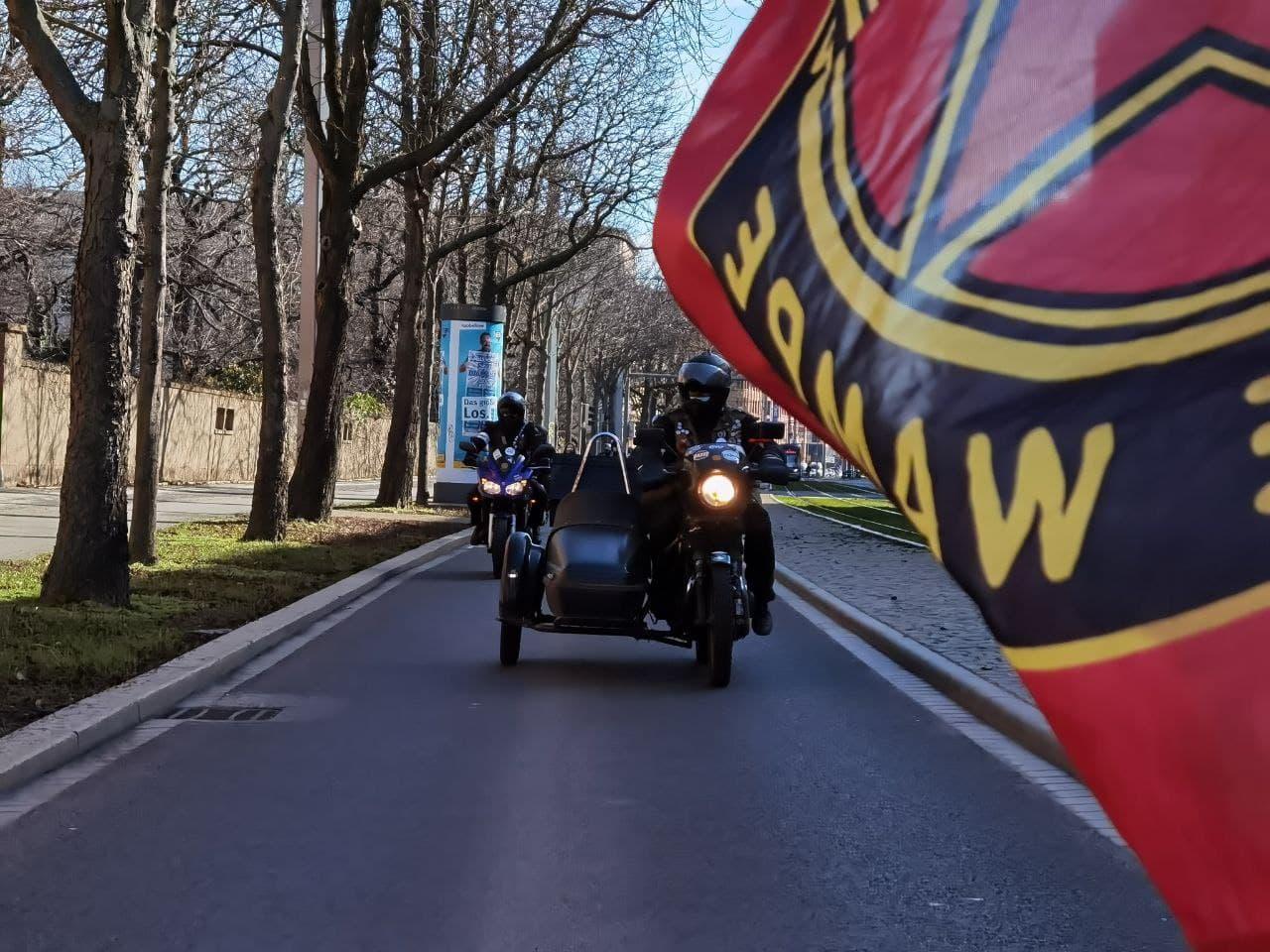 Kuhle Wampe auf dem Weg Richtung Augustusplatz. Foto: Tilly Domian