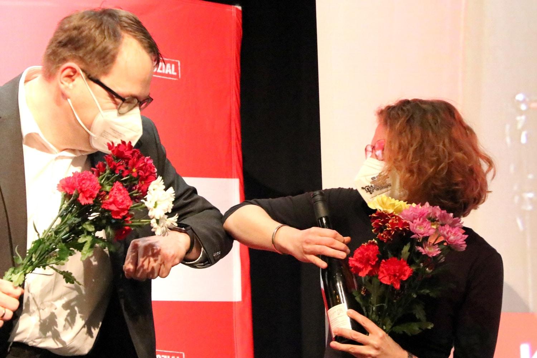 Sören Pellmann und Nina Treu nach der Nominierung ihrer Partei zur Bundestagswahl 2021. Foto: LZ