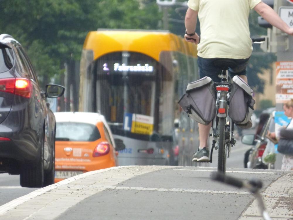 Radfahrer auf der Könneritzstraße. Foto: Lucas Böhme