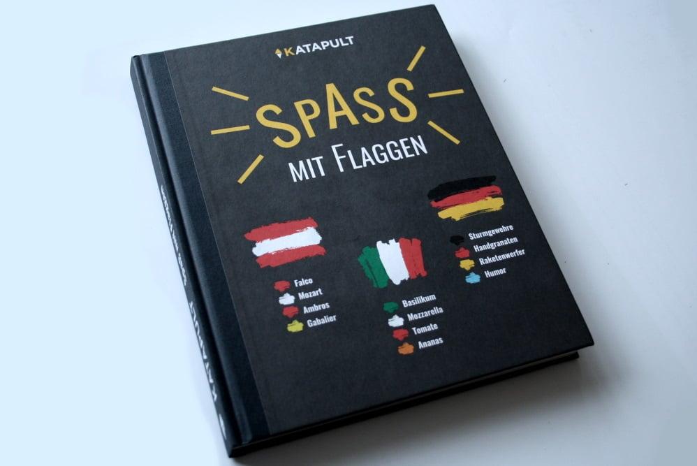 Spaß mit Flaggen. Foto: Ralf Julke