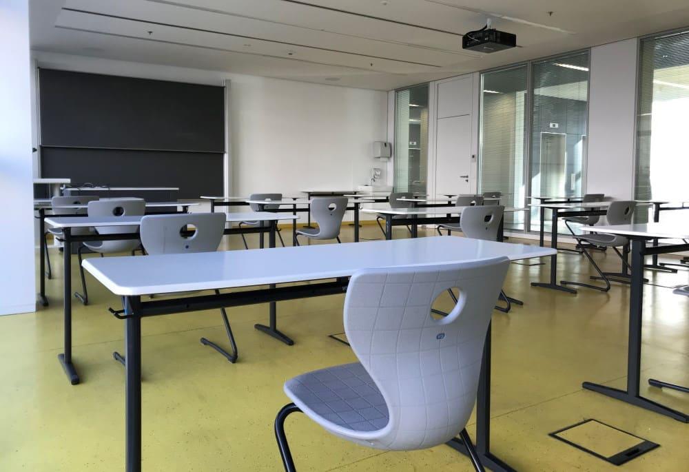 Ein HTWK-Seminarraum, der der Simulation zugrunde liegt. Foto: Anika Schreyer / HTWK Leipzig