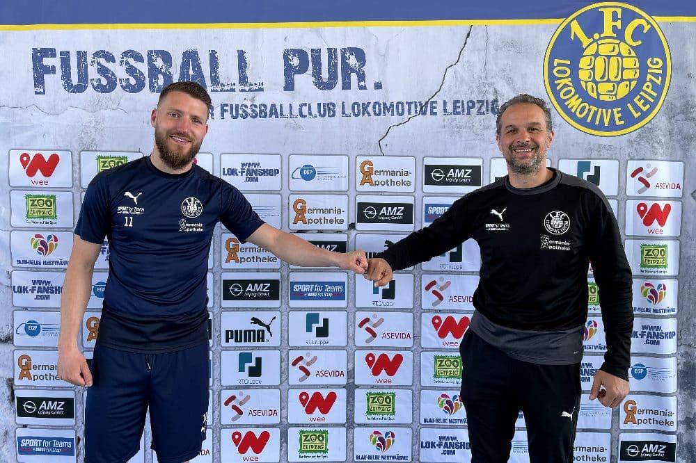 Tom Nattermann und Sportdirektor und Cheftrainer Almedin Civa. Quelle: 1. FC Lokomotive Leipzig