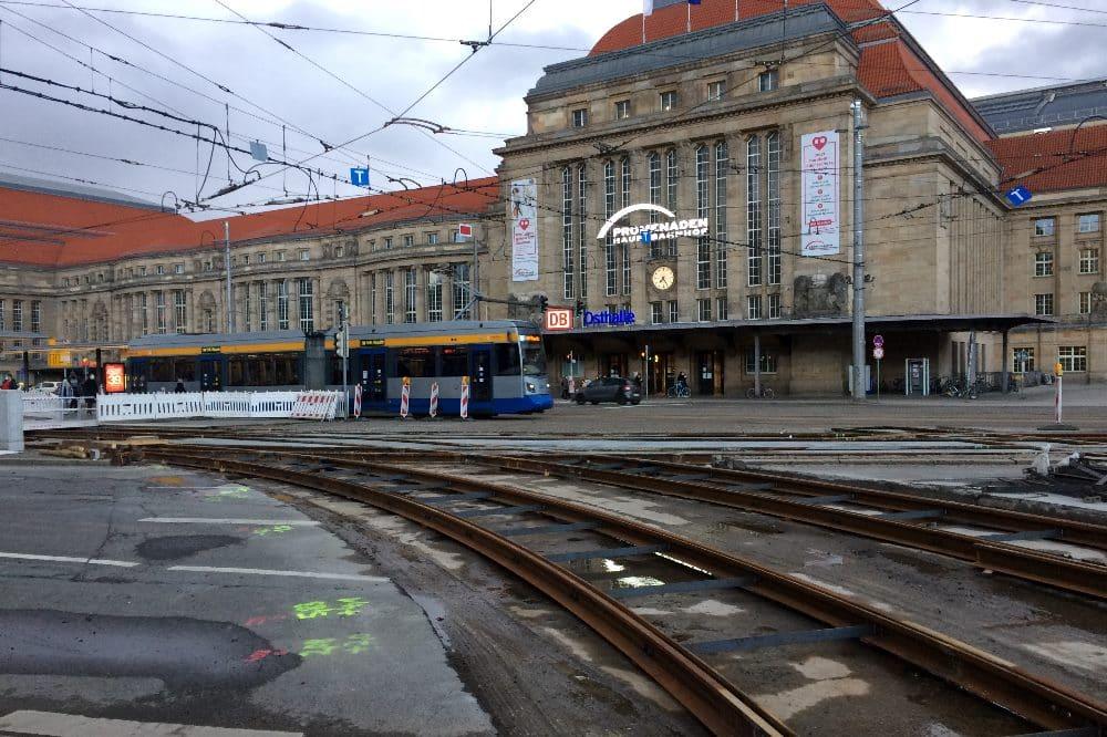 Die Baustelle vorm Hauptbahnhof am 6. April 2021. Foto: LZ