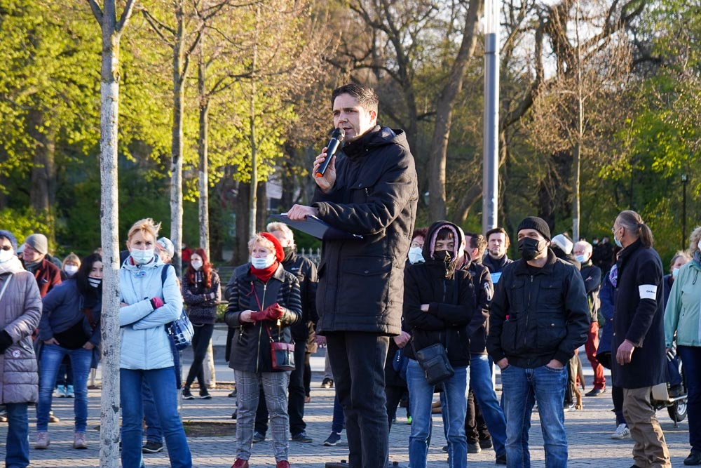Volker Beiser bei der Kundgebung am 26. April 2021. Foto: Martin Schöler