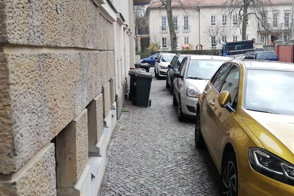 Die Neumannstraße vor dem Aktivwerden des Ordnungsamtes. Foto: Bürgerverein Anger-Crottendorf e.V.