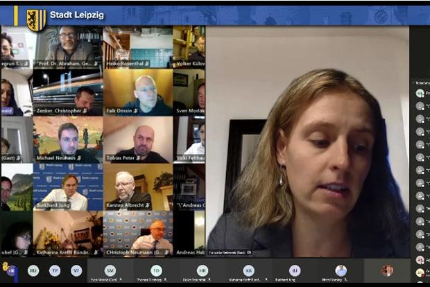 Der Stadtrat digital am 21.04.2021, Franziska Riekewald (Linke) im Bild. Foto: Screen Livestream