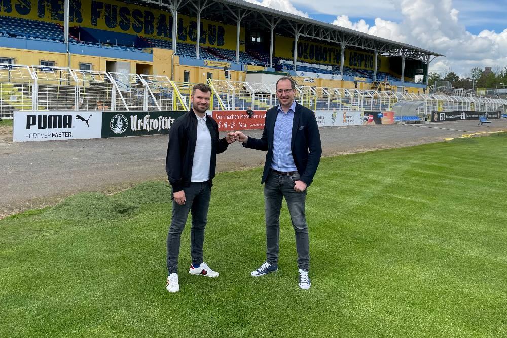 Paul Schinke (li.) will auch in Zukunft gemeinsam mit Geschäftsführer Alexander Voigt seine Loksche nach vorne bringen. Quelle: 1. FC Lokomotive Leipzig