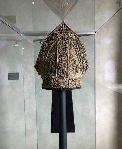Die Prachtmitra aus dem 16. Jahrhundert. Foto: Vereinigte Domstifter, C. Tennler