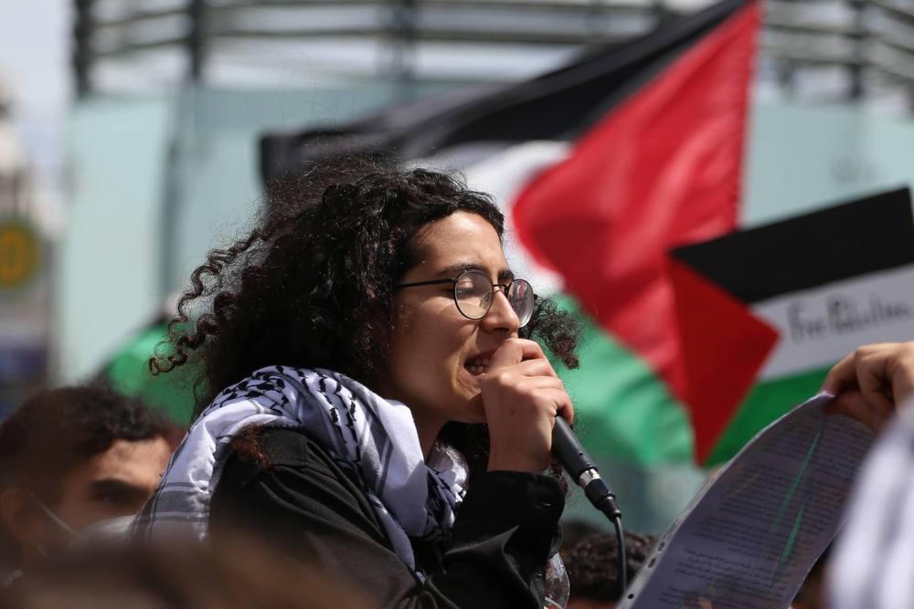 Rednerin der Gruppe Jüdisch-israelischer Dissens. Foto: Alexander Böhm