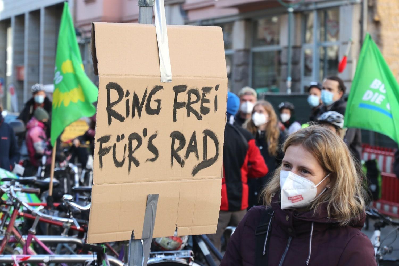 Ring frei fürs Rad - die Losung für eine Radspur. Foto: LZ