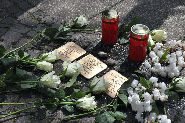 Am heutigen 8. Mai 2021 ist der Tag der Befreiung vom Nationalsozialismus. Gedenksteine an ermordete Juden in Leipzig. Foto: Antonia Weber