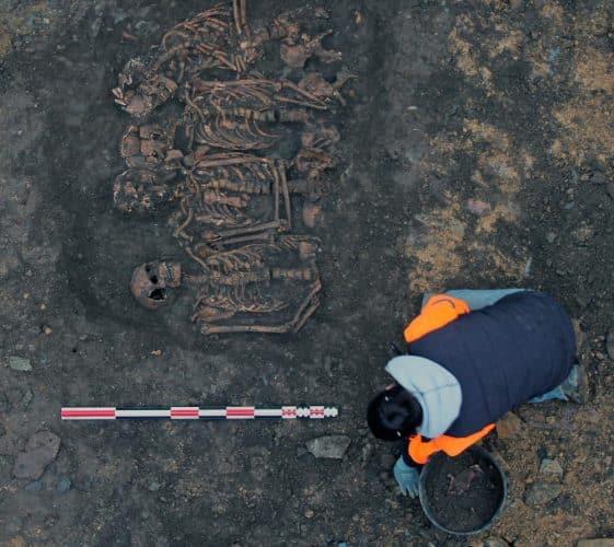 Ausgrabung des Grabes, das dem bretonischen Lager während der Belagerung von Rennes im Jahr 1491 zugeschrieben wird. Foto: Rozenn Colleter / Inrap