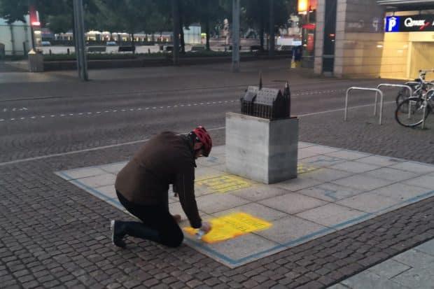 Aktion der Giordano-Bruno-Stiftung Leipzig: Keine Kanzel in die Aula. Foto: gbs Leipzig
