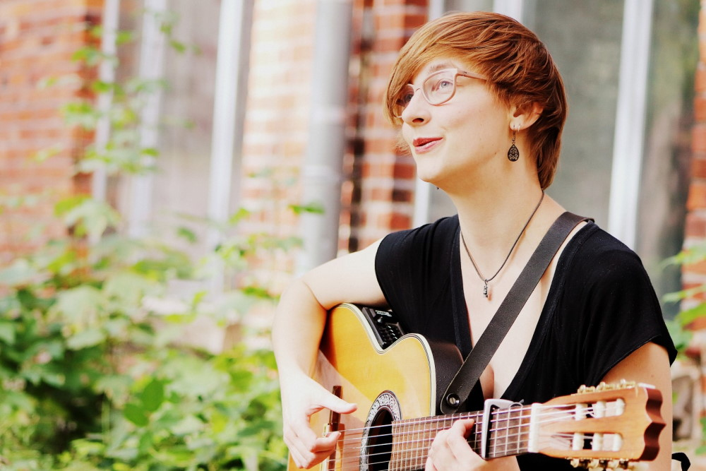 Peggy Luck vom Immer Lieder Sonntags - Kollektiv. Foto: Enna Bloom