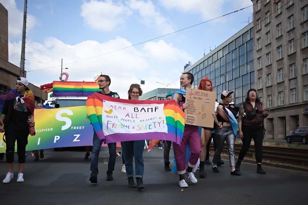 Die Entscheidungspraxis am BAMF Leipzig gerät immer wieder in die Kritik - zuletzt bei Protesten in Leipzig 2019. @ Alexander Böhm