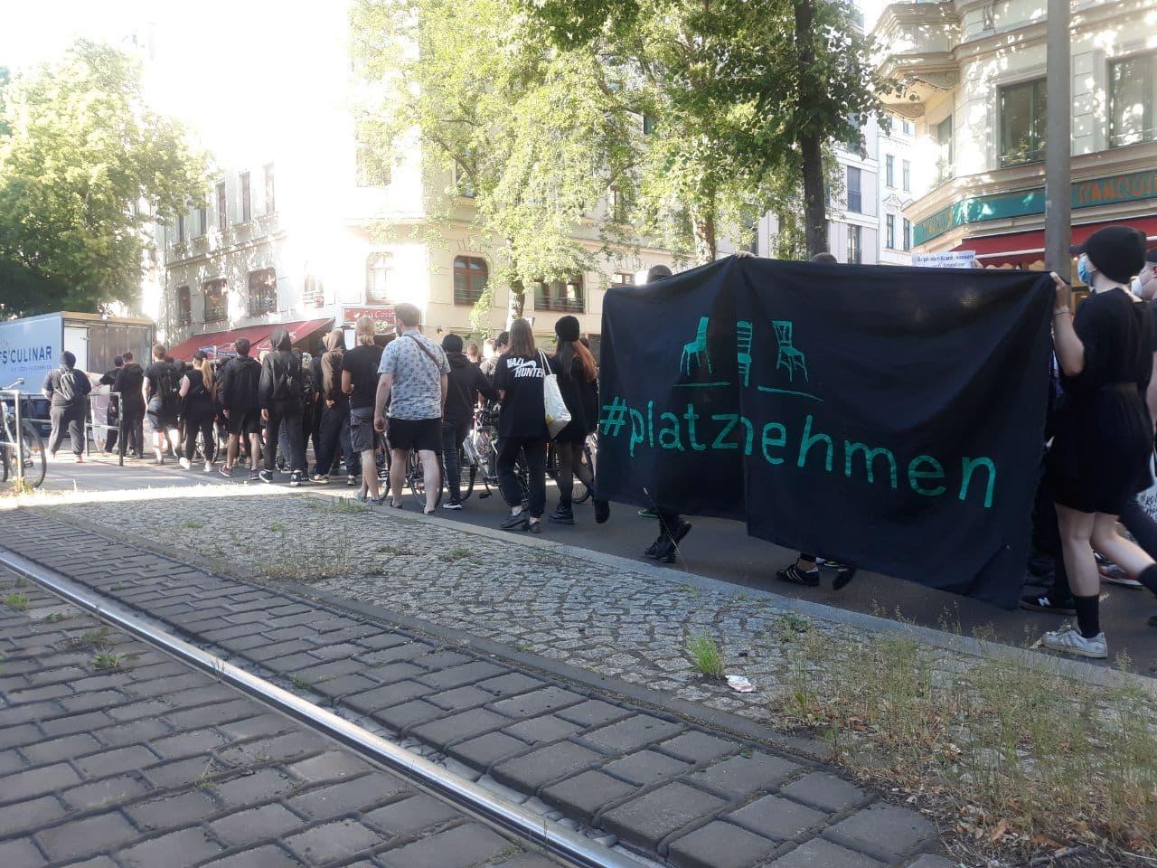 Das Geschehen am 14. Juni 2021 startete mit dem Gegenprotest aus dem Leipziger Süden Richtung Zentrum. Foto: LZ