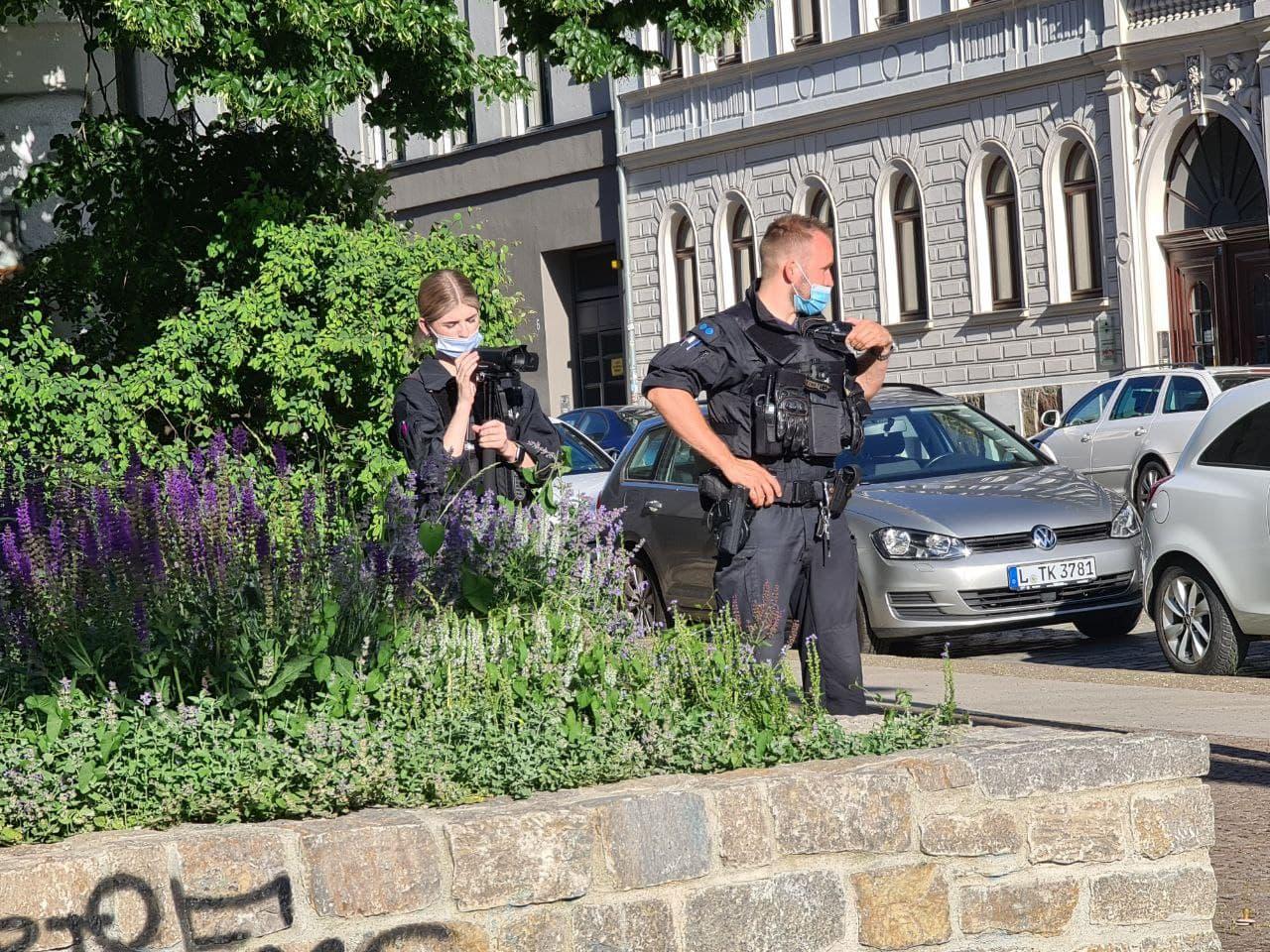 """Rufe aus dem """"Leipzig nimmt Platz""""-Demozug Richtung Polizei: """"Kamera weg"""". Erneut wurde ohne nötigen Anlass aufgezeichnet. Foto: LZ"""