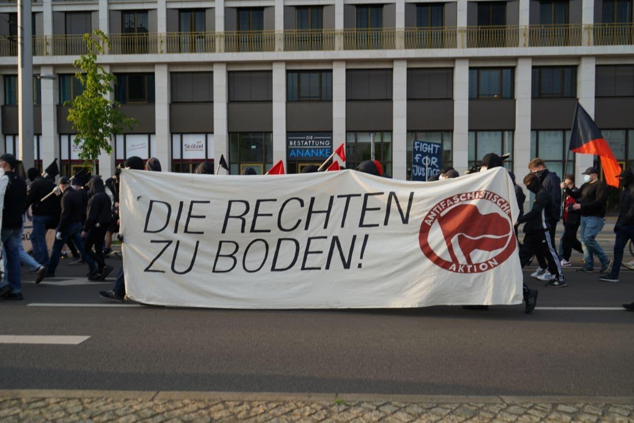 Die Demo auf dem Leipziger Ring. Foto: Martin Schöler/LZ
