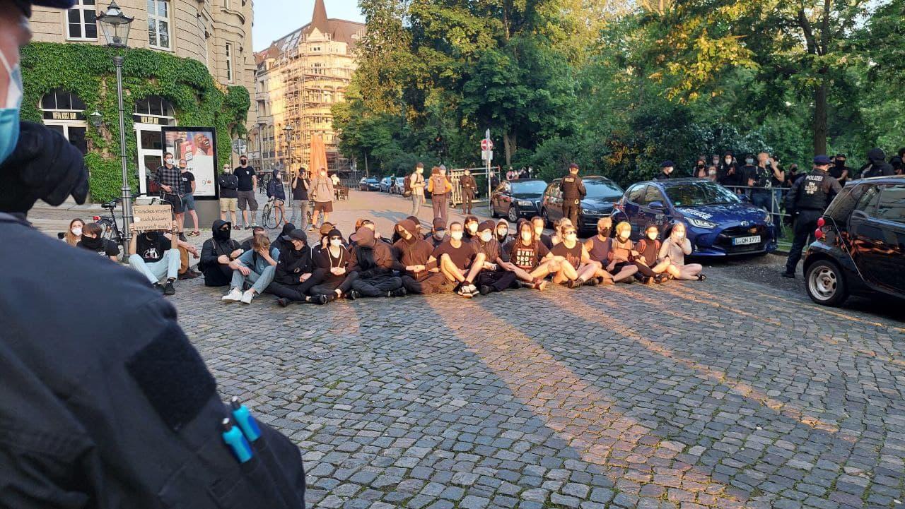 Blockade hinter der Runden Ecke vor dem ehemaligen Telegraph. Foto: LZ