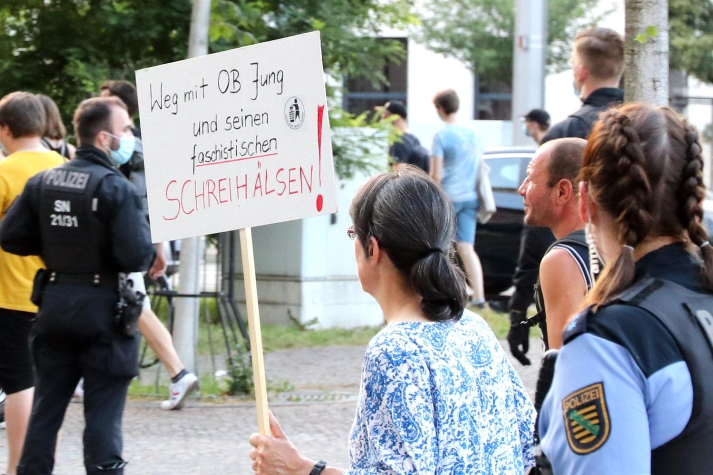 Irgendwer muss immer weg. HIer ist es Burkhard Jung, erst 2020 für weitere 7 Jahre zum OBM Leipzigs gewählt. Foto: LZ