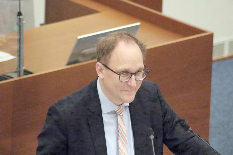 Verwaltungsbürgermeister Ulrich Hörning (SPD) im Leipziger Stadtrat. Foto: LZ