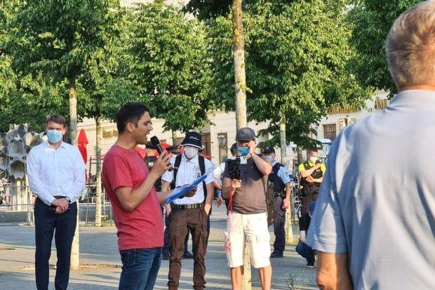 Revolutionär Volker Beiser ist ein bisschen erregt, als er auf die LZ zu sprechen kommt. Foto: LZ