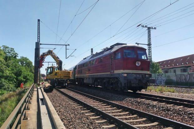 Leipzig Mockau, Pfostengründungen Lärmschutzwand 4.7, ein Gleis gesperrt. Foto: DB AG/Bastian Rülicke