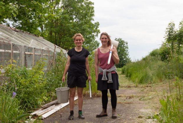 Entnahme von Bodenproben in der alten Gärtnerei. Foto: Werrner Hegelmeier
